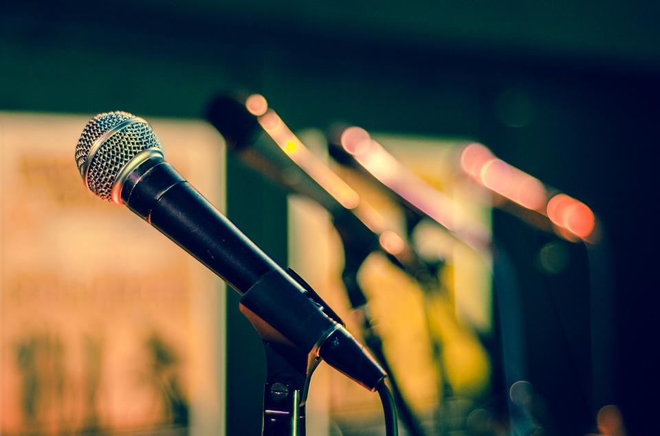 Az üres beszédről