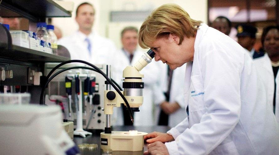 Koronavírus: Ezért figyeli a világ Angela Merkelt és Németországot