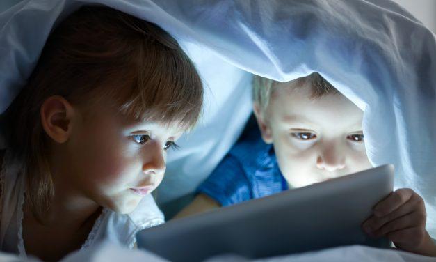 Laptop, tablet, okosteló, gyerek kezébe nem való
